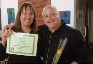 דוב רויטמן עם בוגרת קורס לימודי נלפ