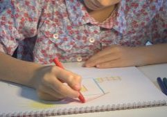 Child Drawing House, Girl Coloring, Kids Making Craft, Children